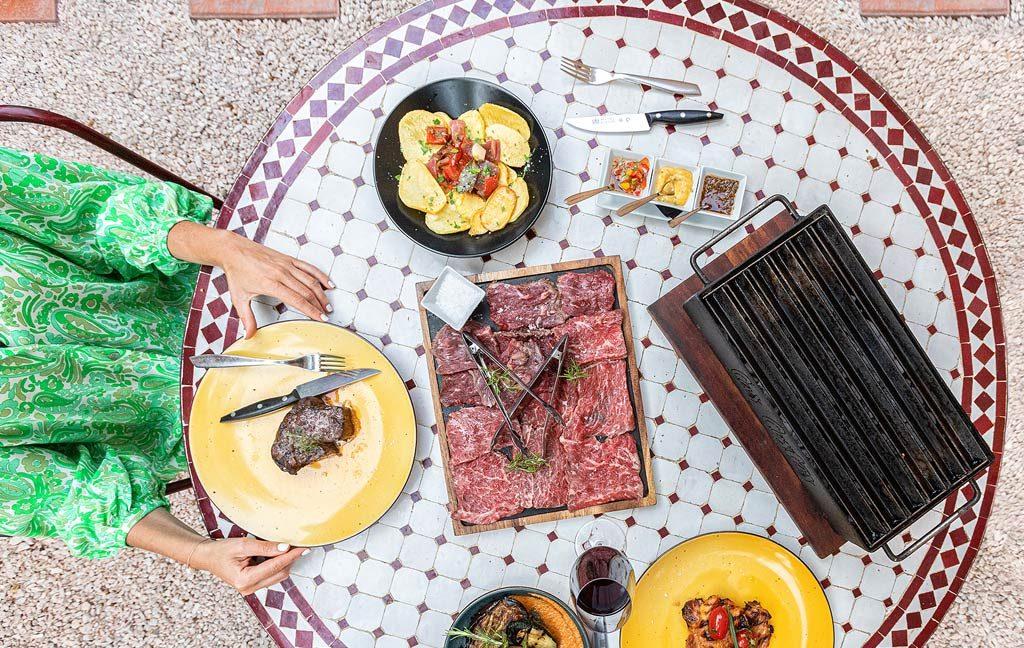 cas_costas_restaurante_grill_carnes_parrilla_ibizaslider_movil_2020_en_4